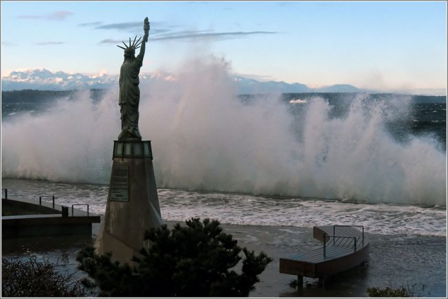 20170110-150648-alki-statue-of-liberty-strong-north-wind-1024x685